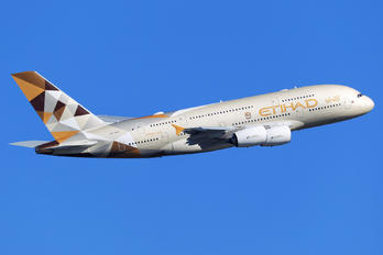 A6-APD - Etihad Airways Airbus A380