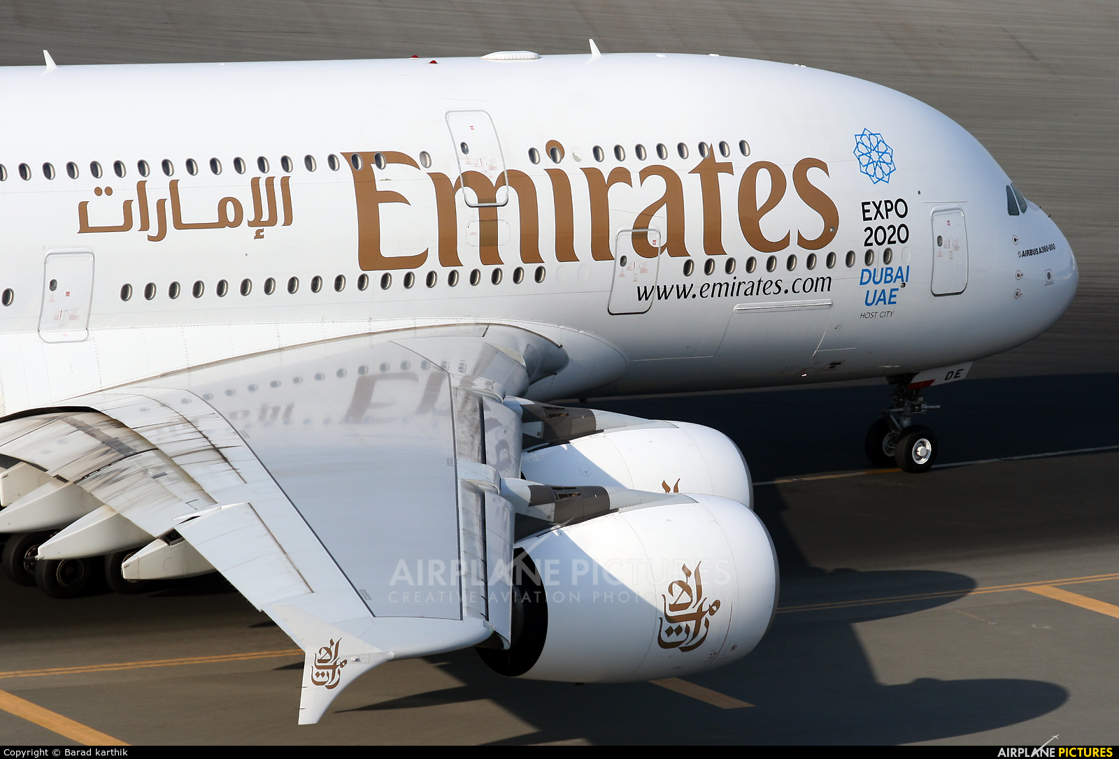 Emirates Airlines A6-EDE aircraft at Dubai Intl