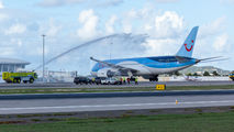 First Dreamliner in St Maarten title=