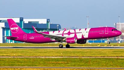 TF-MOM - WOW Air Airbus A321