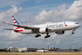 N765AN - American Airlines Boeing 777-200ER