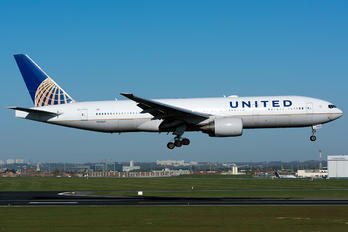 N222UA - United Airlines Boeing 777-200ER