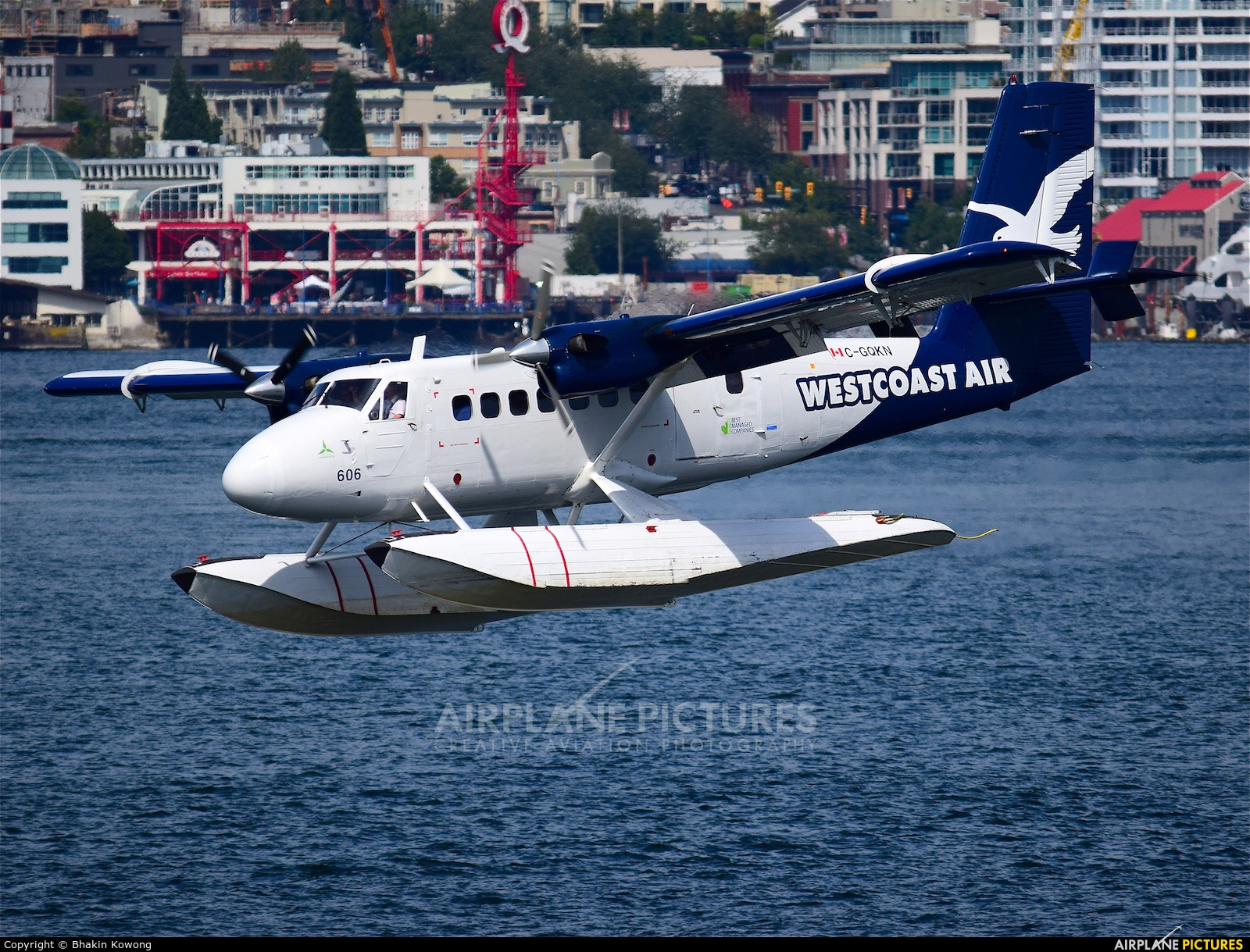 West Coast Air C-GQKN aircraft at Vancouver Coal Harbour, BC