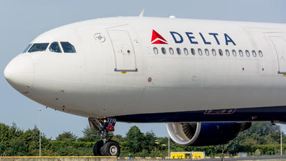 N819NW - Delta Air Lines Airbus A330-300