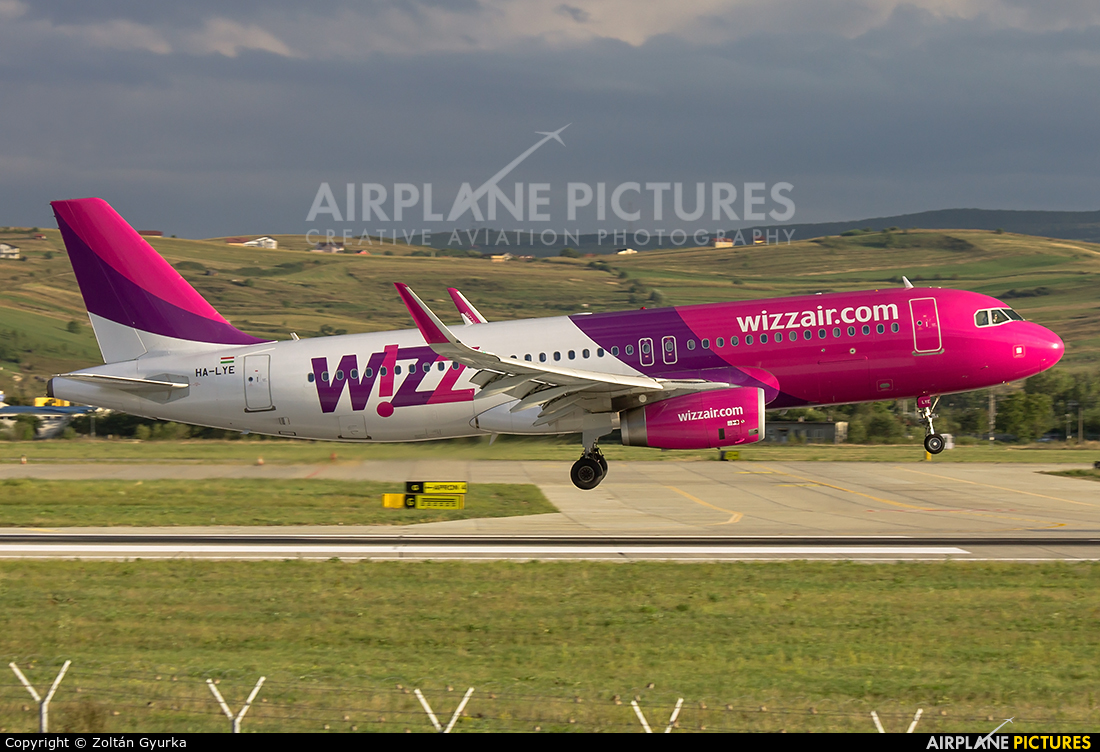Wizz Air HA-LYE aircraft at Cluj Napoca - Someseni