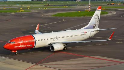 LN-DYN - Norwegian Air Shuttle Boeing 737-800