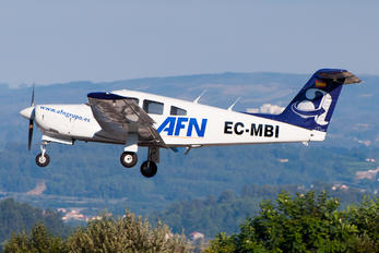 EC-MBI - Aeroflota del Noroeste Piper PA-28R Arrow /  RT Turbo Arrow
