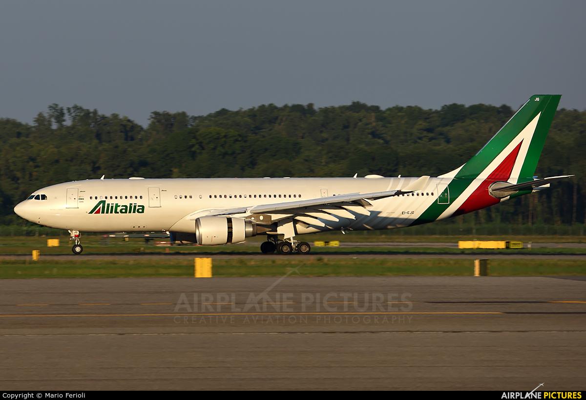 Alitalia EI-EJG aircraft at Milan - Malpensa