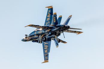 163484 - USA - Navy : Blue Angels McDonnell Douglas F-18D Hornet