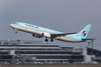 HL7569 - Korean Air Boeing 737-900