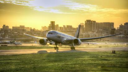 JA802A - ANA - All Nippon Airways Boeing 787-8 Dreamliner