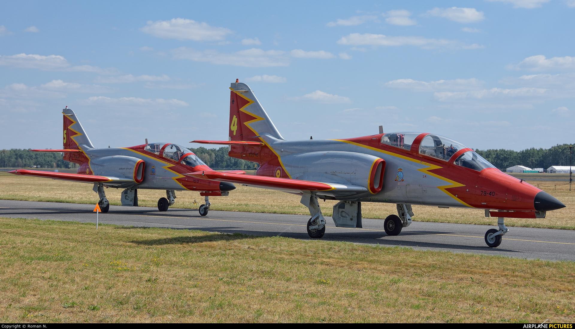 Spain - Air Force : Patrulla Aguila E.25-40 aircraft at Radom - Sadków