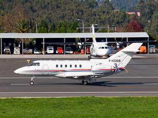 F-HOSB - Private Raytheon Hawker 750XP