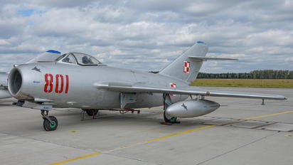 801 - Poland - Air Force PZL Lim-2