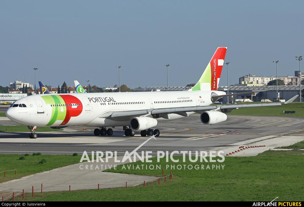 TAP Portugal CS-TOC aircraft at Lisbon