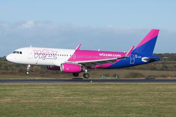HA-LYQ - Wizz Air Airbus A320