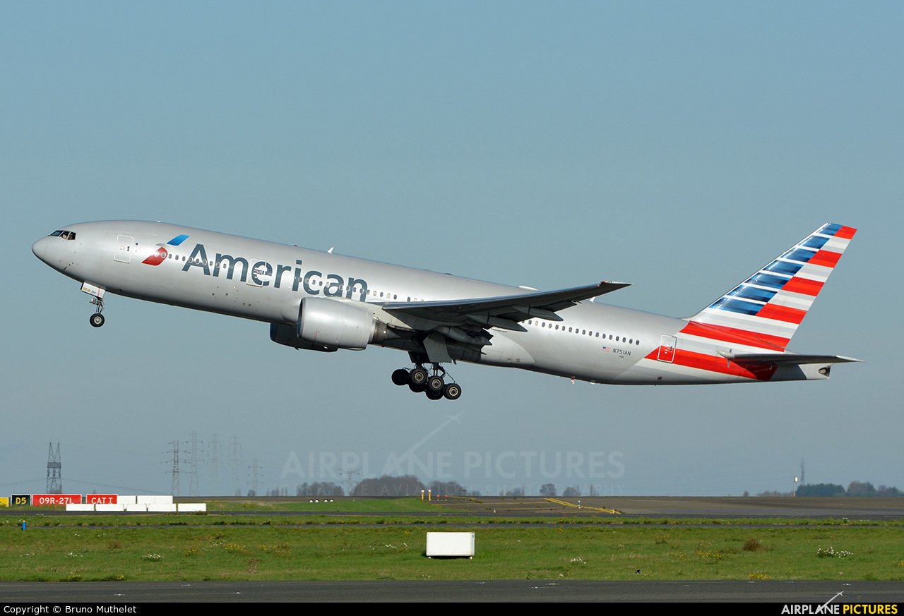 American Airlines N751AN aircraft at Paris - Charles de Gaulle