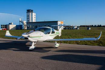 OY-PIA - Private Dyn Aero MCR4s