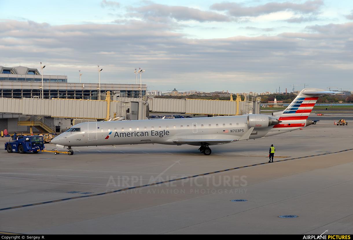 American Eagle N703PS aircraft at Washington - Ronald Reagan National