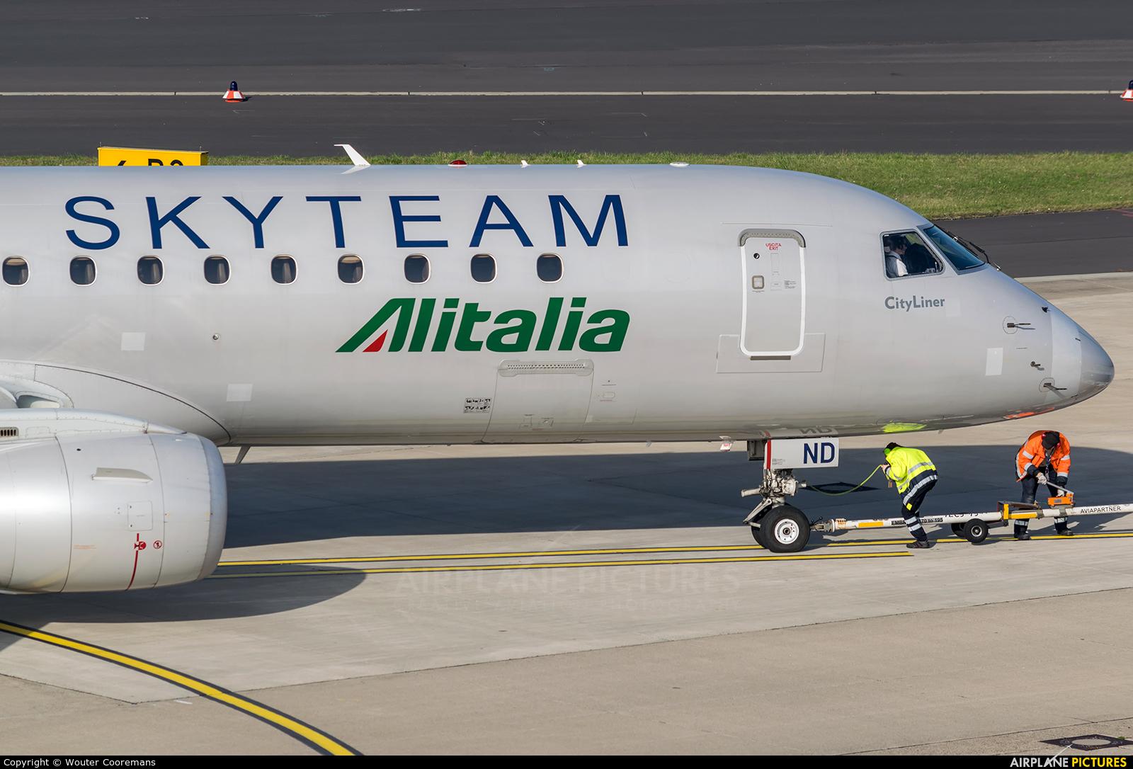 Alitalia EI-RND aircraft at Düsseldorf