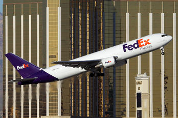 N109FE - FedEx Federal Express Boeing 767-300F