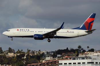 N3742C - Delta Air Lines Boeing 737-800