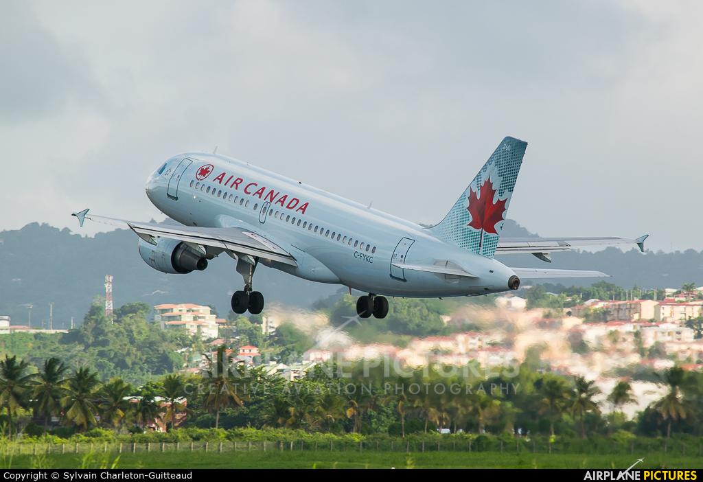 Air Canada C-FYKC aircraft at Martinique - Aimé Césaire