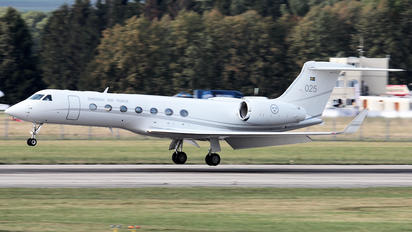025 - Sweden - Air Force Gulfstream Aerospace G-V, G-V-SP, G500, G550