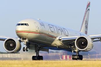 A6-ETM - Etihad Airways Boeing 777-300ER