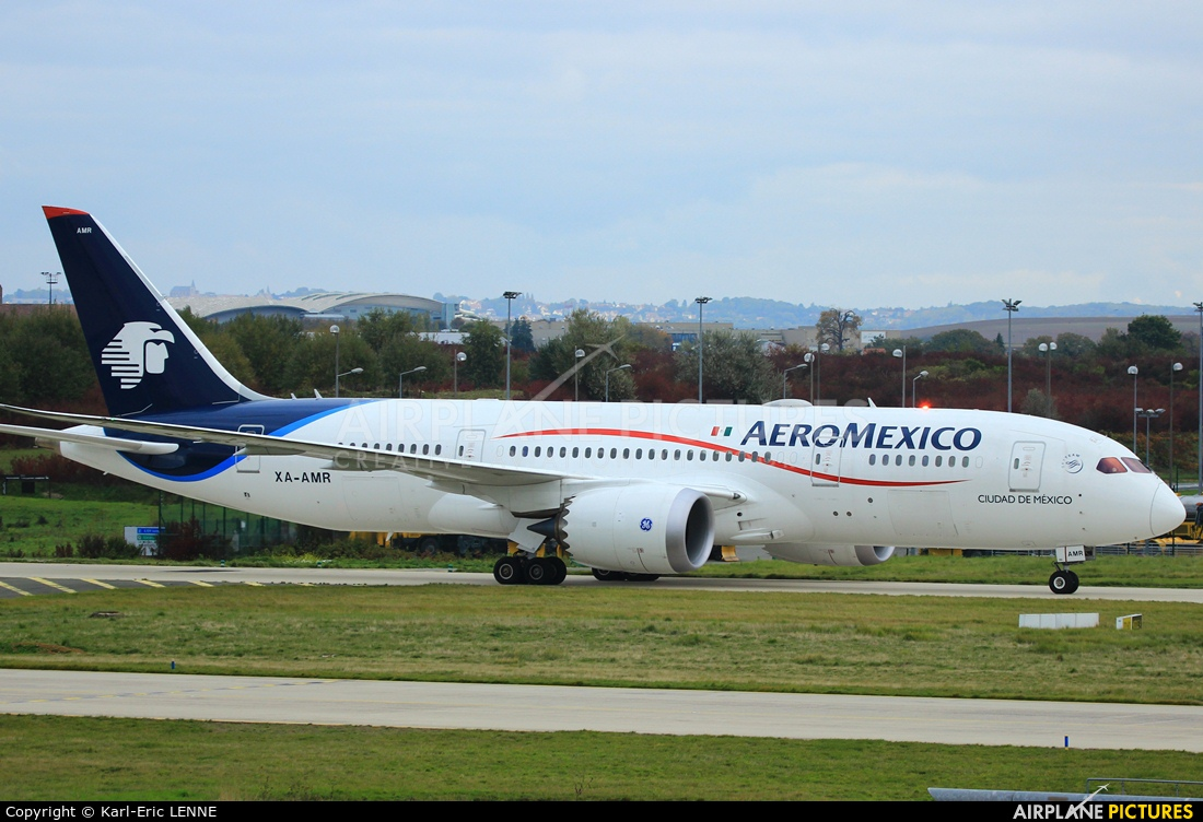 Aeromexico XA-AMR aircraft at Paris - Charles de Gaulle
