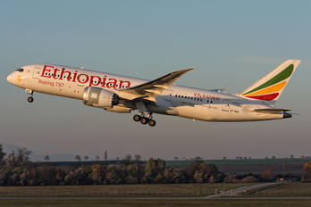 ET-AOO - Ethiopian Airlines Boeing 787-8 Dreamliner