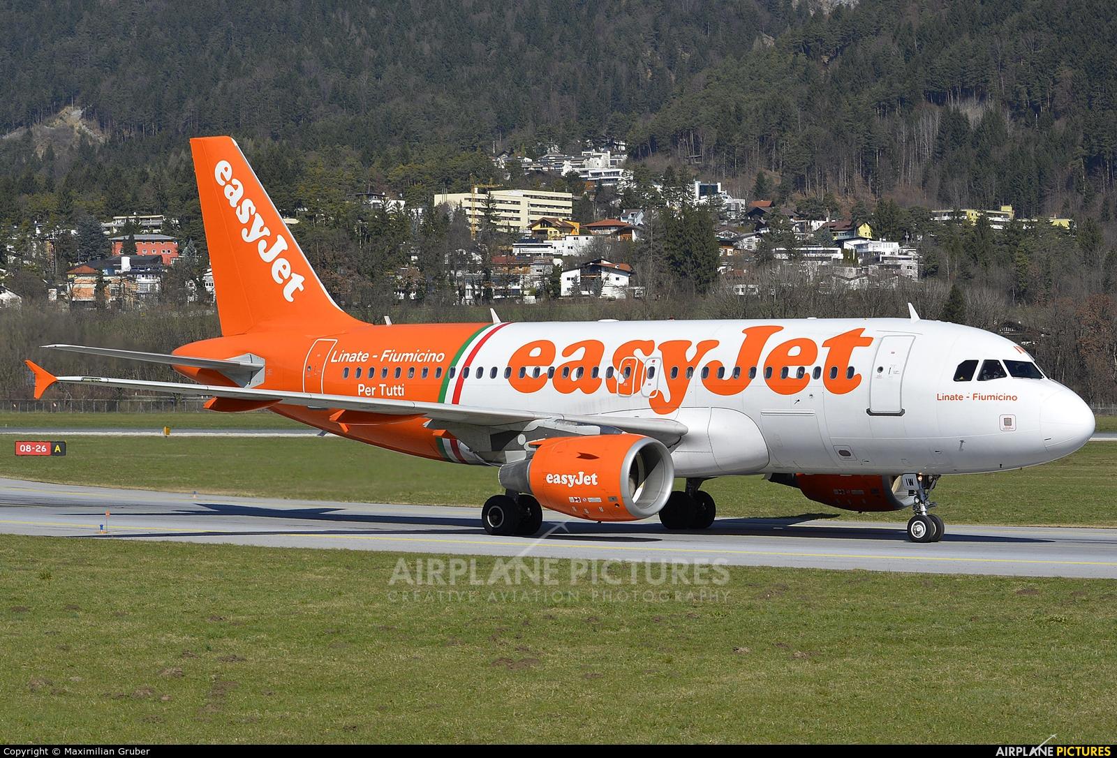 easyJet G-EZIW aircraft at Innsbruck