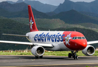 HB-IJW - Edelweiss Airbus A320