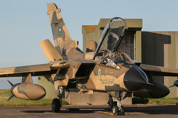 7513 - Saudi Arabia - Air Force Panavia Tornado - IDS