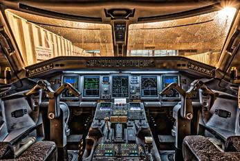 N131SY - United Express Embraer ERJ-175 (170-200)