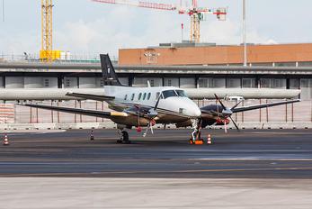 D-IAAH - Private Beechcraft 90 King Air