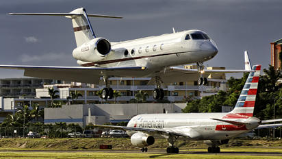 N225CX - Private Gulfstream Aerospace G-IV,  G-IV-SP, G-IV-X, G300, G350, G400, G450