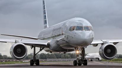N206UW - American Airlines Boeing 757-200