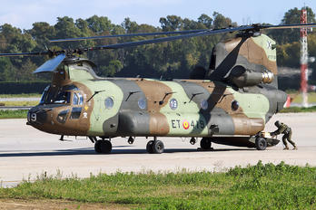 HT17-19 - Spain - Army Boeing CH-47D Chinook