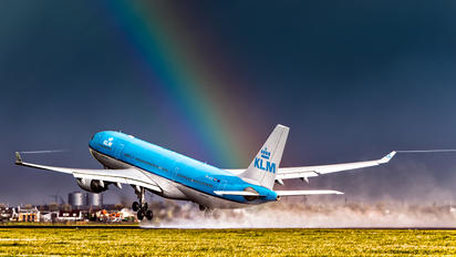 PH-AOL - KLM Airbus A330-200