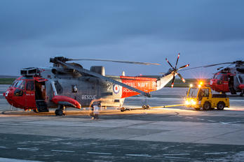 XV666 - Royal Navy Westland Sea King HU.5