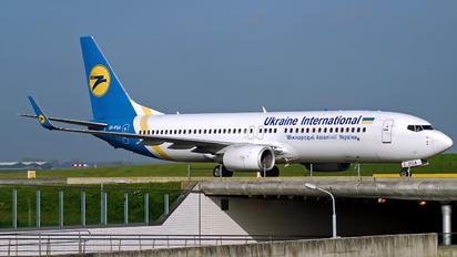 UR-PSA - Ukraine International Airlines Boeing 737-800