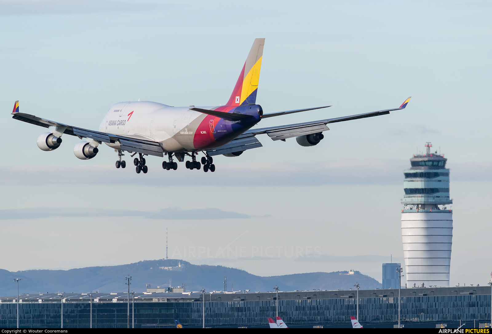 Asiana Cargo HL7415 aircraft at Vienna - Schwechat