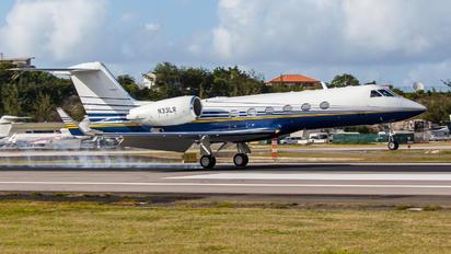 N33LR - Private Gulfstream Aerospace G-IV,  G-IV-SP, G-IV-X, G300, G350, G400, G450