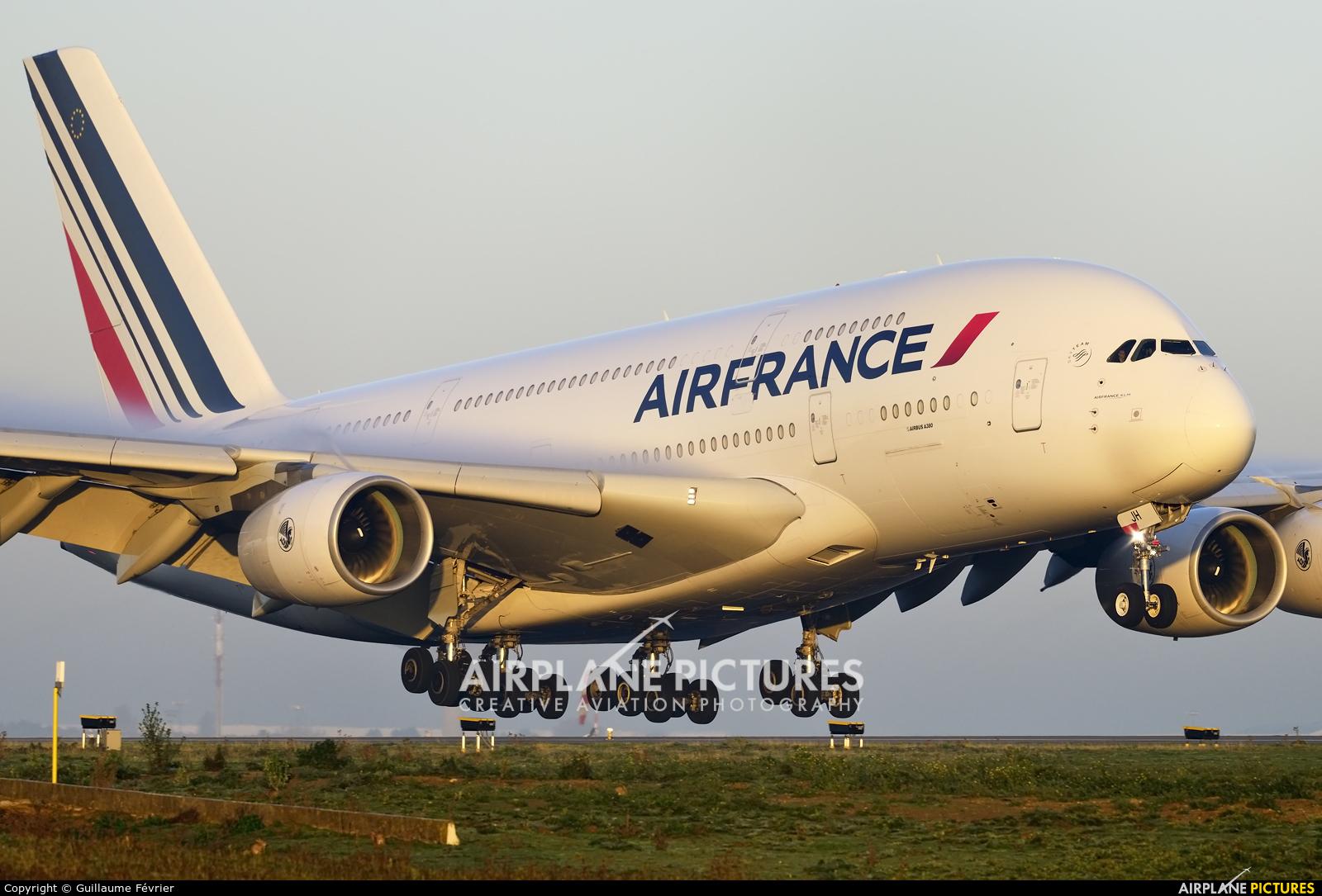 Air France F-HPJH aircraft at Paris - Charles de Gaulle