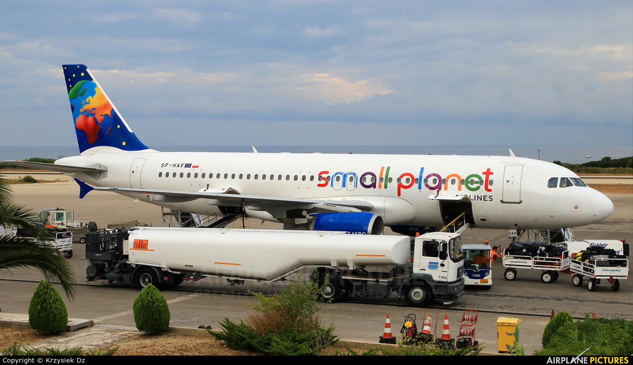 Small planet airlines deutschland