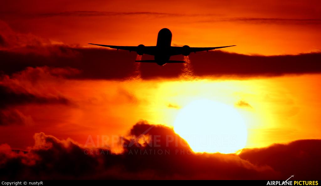 Cathay Pacific B-KPE aircraft at London - Heathrow