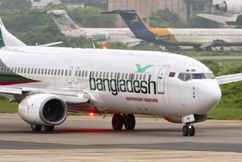 S2-AFM - Biman Bangladesh Boeing 737-800