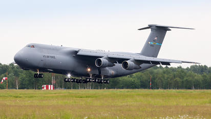 85-0004 - USA - Air Force Lockheed C-5B Galaxy