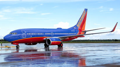 N7743B - Southwest Airlines Boeing 737-700